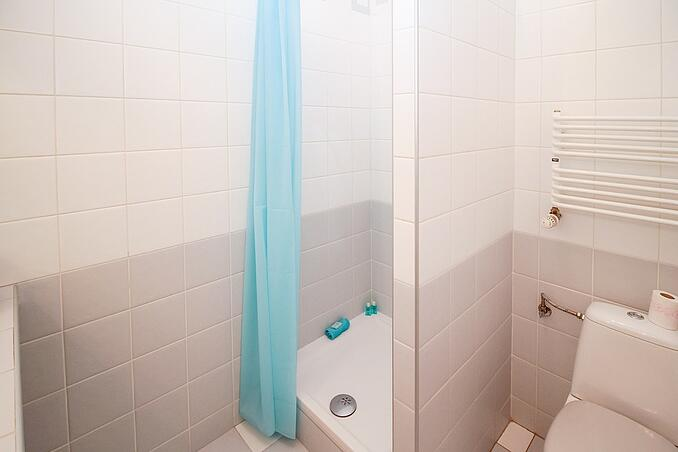 How To Avoid The Constant Issue Of Ongoing Shower & Bathroom Maintenance In Your Student Accommodation.jpg